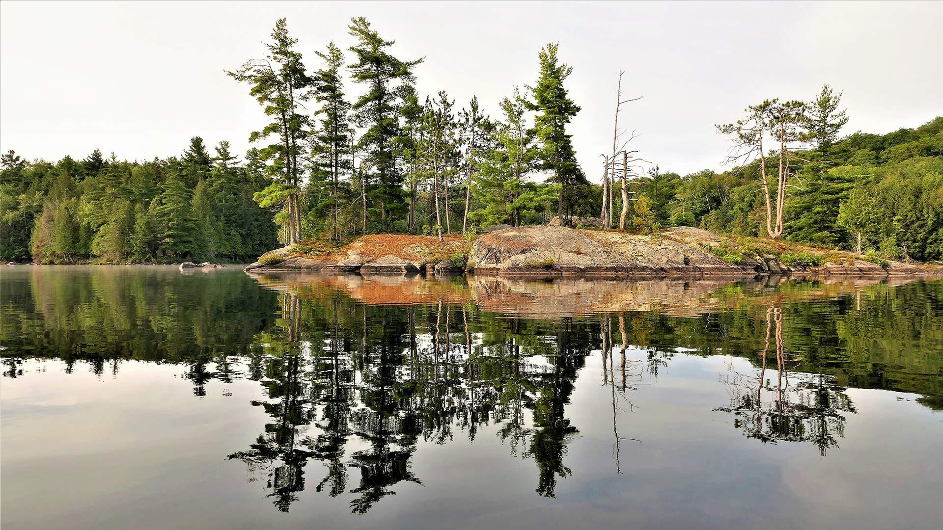 US-Ontario-Canada-ashby-lake-2650293