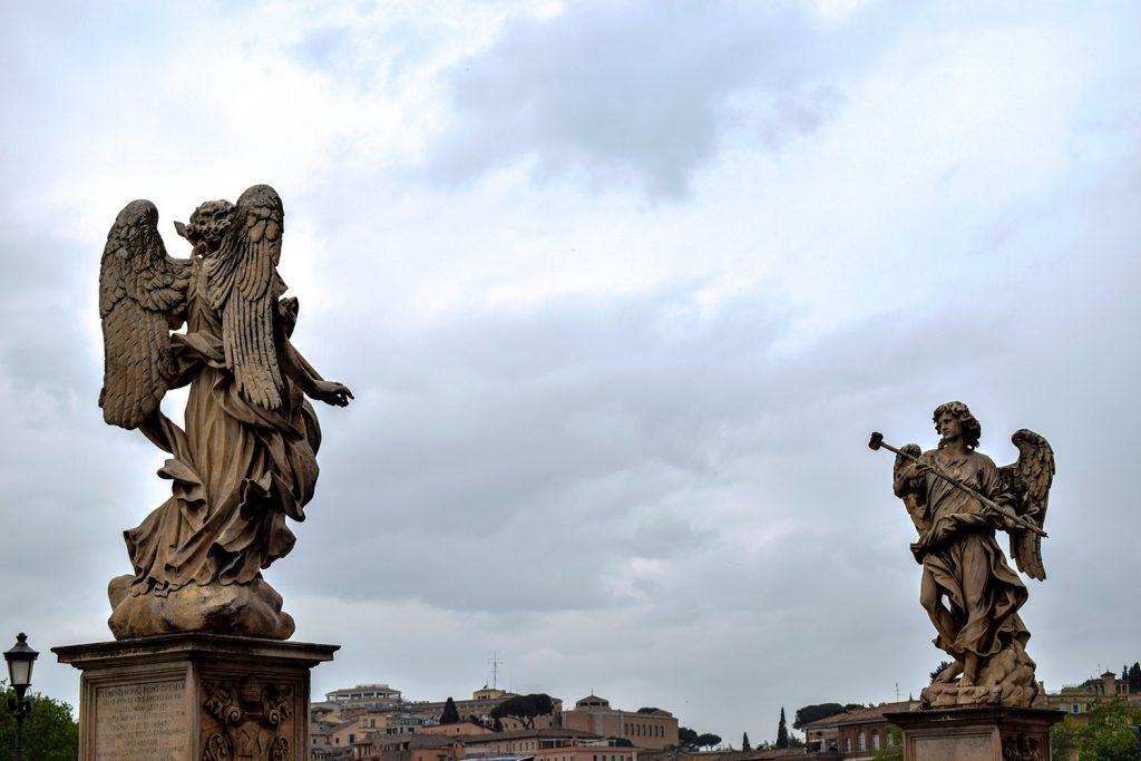 Sant'Angelo Castle - Statues