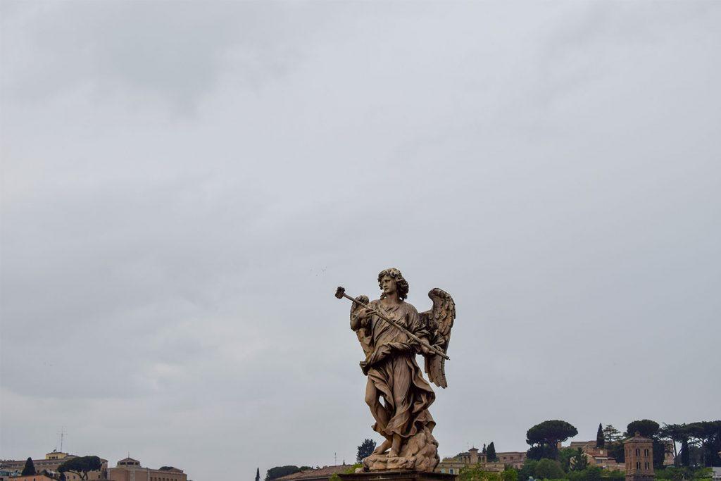 Sant'Angelo Castle - Statue